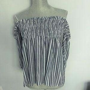 NWOT Paper Crane blouse Sz M striped cold shoulder
